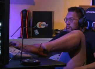Starcraft Finalini Ayağıyla Oynayan Oyuncu Olay Oldu